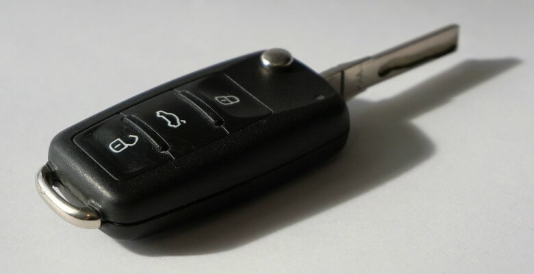 laser-cut-car-key-replacement-in-houston-texas
