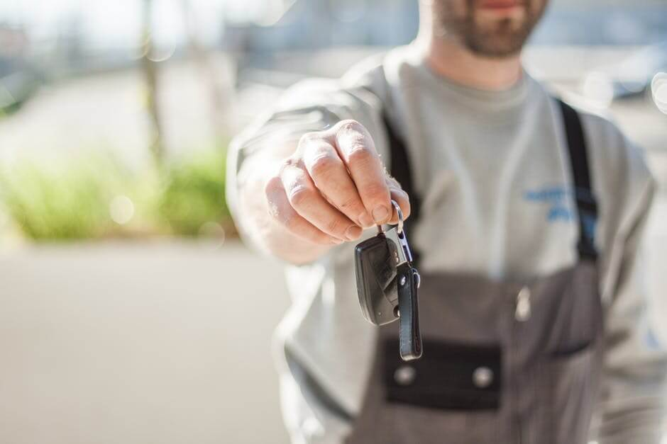 What Benefits Are Associated With Hiring a Professional Locksmith?